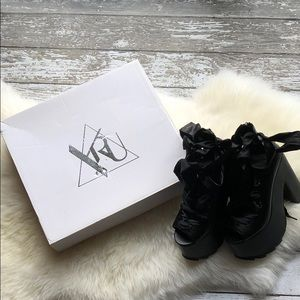 YRU Black Ballet Bae With Box